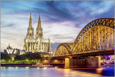Adesivi murali  Lighted Cathedral in Cologne with Rhine and Bridge