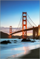 Stampa su plexi-alluminio  Golden gate bridge at dawn from Baker beach, San Francisco, California, USA - Matteo Colombo