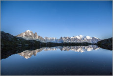 Adesivo murale  Mont Blanc reflected in Lacs des Chéserys, France - Roberto Sysa Moiola