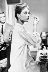 Poster Premium  Audrey Hepburn si trucca - Celebrity Collection
