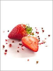 Stampa su plexi-alluminio  Strawberries with red peppercorns - Edith Albuschat