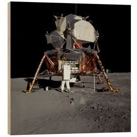Stampa su legno  An Apollo 11 astronaut before the Lunar Module