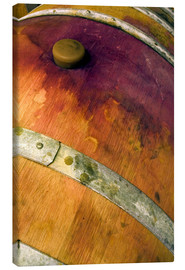 Tela  Closeup of an oak barrel with cork and red wine - Janis Miglavs
