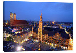 Stampa su tela  Church of our Lady and the new town hall in Munich at night - Buellom