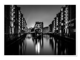 Poster  Hamburg HafenCity quarter by night (monochrome) - Sascha Kilmer
