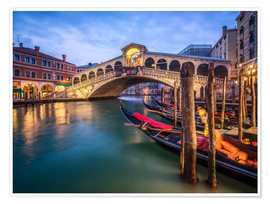 Poster Premium Rialto Bridge in Venice Italy at night