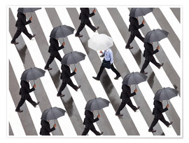 Poster Premium  Man with umbrella and suit runs as a loner against the tide - Jan Christopher Becke