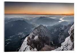 Stampa su vetro acrilico  Sunrise from Zugspitze mountain with view across the alps - Andreas Wonisch