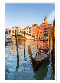 Poster Premium  Gondola at Rialto bridge - Matteo Colombo