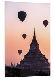 Stampa su schiuma dura  Temple at sunrise with balloons flying, Bagan, Myanmar - Matteo Colombo