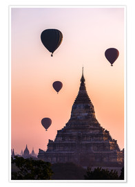 Poster Premium  Temple at sunrise with balloons flying, Bagan, Myanmar - Matteo Colombo
