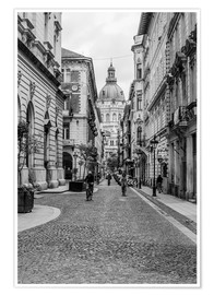 Poster  Budapest - view in an alley on the church tower, black and white - Frank Herrmann
