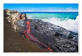 Poster Premium  Lava flowing into ocean, Hawaii - David Nunuk