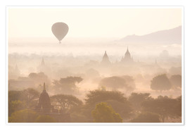 Poster Premium  Balloon above the Bagan temples - Lee Frost