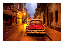 Poster Premium  Red vintage American car in Havana - Lee Frost