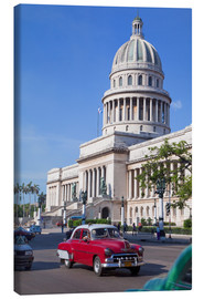 Tela  Traditonal old American cars passing the Capitolio building, Havana, Cuba - Martin Child