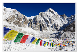 Poster Premium  Prayer flags at the case camp of Mount Everest - Christian Kober
