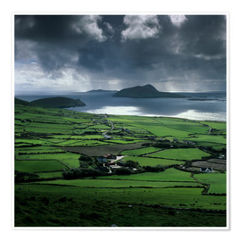 Poster Premium  View over Blasket Sound to the Blasket Islands and Slea Head, The Dingle Peninsula, County Kerry, Mu - Stuart Black