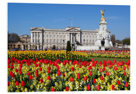 Stampa su schiuma dura  Buckingham Palace and Queen Victoria Monument with tulips, London, England, United Kingdom, Europe - Stuart Black