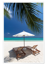 Poster Premium  Lounge chairs on tropical beach - Sakis Papadopoulos