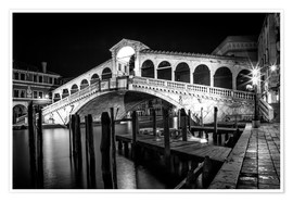 Poster Premium  VENICE Rialto Bbridge at Night - Melanie Viola