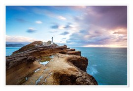 Poster Premium  Lighthouse and sea at sunrise on the coast of New Zealand - Matteo Colombo