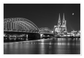 Poster Premium  Cologne Cathedral and Hohenzollern Bridge at night (b / w) - rclassen