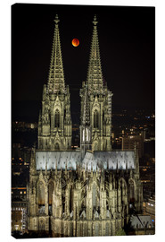 Stampa su tela  Blood moon shines over Cologne Cathedral - rclassen