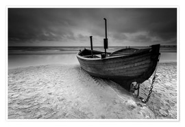 Poster Premium Fishing boat on the beach monochrome