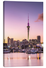 Stampa su tela  Skyline of Auckland city and harbour at sunrise, New Zealand - Matteo Colombo