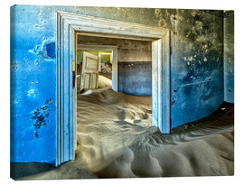 Stampa su tela  Sand in the premises of an abandoned house - Robert Postma