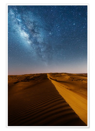 Poster Premium  Milky way over dunes, Oman - Matteo Colombo