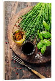 Legno  Herbs and spices on wooden board