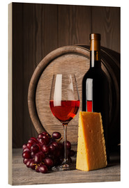 Legno  Red wine with cheese and grapes