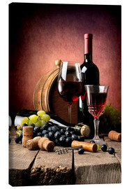 Tela  Red wine with grapes and corks
