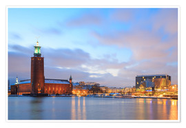 Poster Premium  Stockholm City Hall at dusk