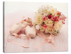 Tela  Ballet shoes with bouquet