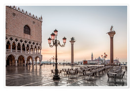 Poster Premium  St. Mark's square in Venice during sunrise - Dieter Meyrl