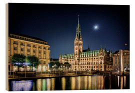 Stampa su legno  Moon over the town hall in Hamburg - Tanja Arnold Photography