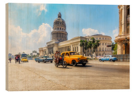 Stampa su legno  Havana Capitol with Oldtimer - Reemt Peters-Hein