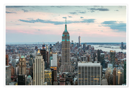 Poster Premium  Manhattan skyline with Empire State building at sunset, New York city, USA - Matteo Colombo