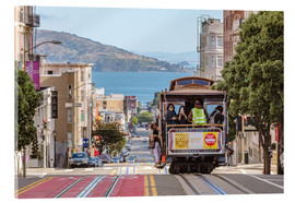 Stampa su vetro acrilico  Cable car on a hill in the streets of San Francisco, California, USA - Matteo Colombo