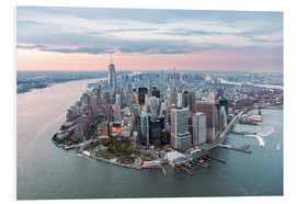 Forex  Aerial view of lower Manhattan with One World Trade Center at sunset, New York city, USA - Matteo Colombo