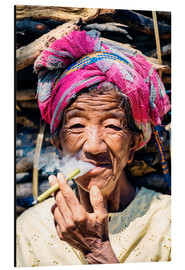 Stampa su alluminio  Portrait of old woman smoking cigar, Myanmar, Asia - Matteo Colombo