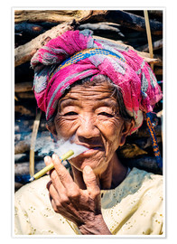 Poster  Portrait of old woman smoking cigar, Myanmar, Asia - Matteo Colombo