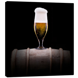 Stampa su tela  Frosty glass of light beer