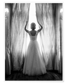 Poster Premium  Elegant bride at big window