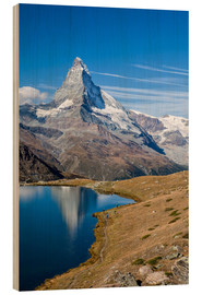 Stampa su legno  Hikers walking on the path beside the Stellisee with the Matterhorn reflected. Zermatt Canton of Val - Roberto Sysa Moiola