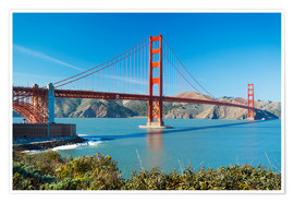 Poster Premium  The Golden Gate Bridge in San Francisco with beautiful blue ocean in background