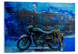 Stampa su vetro acrilico  Motorcycle parked on the street of Jodhpur, the Blue City, Rajasthan, India, Asia - Laura Grier